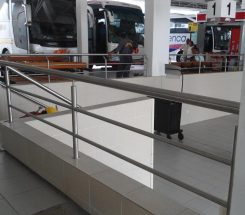 BARANDAL CENTRAL AUTOBUSES ACERO INOXIDABLE